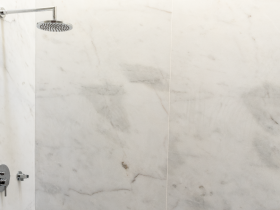 Mármore aplicado no poliban. gra2003 marmore casa banho-01