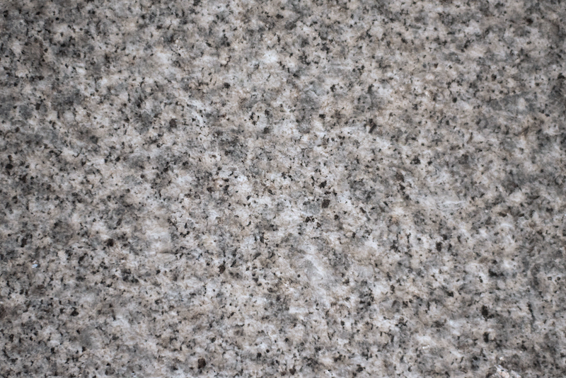 gra2003_alpendorada_granito azul pico grosso_medium grey granite thick bush hammered_granit beu_portugal_EMP_6603