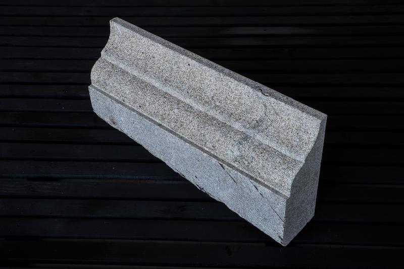 gra2003_cornijas granito_granit cornice_emp_8140