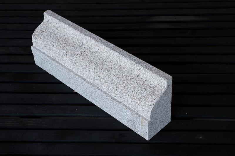 gra2003_cornijas granito_granit cornice_emp_8141