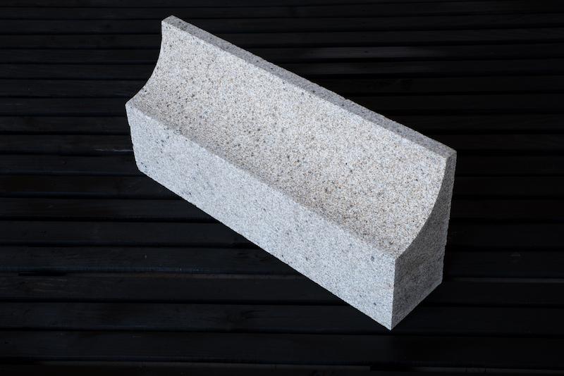gra2003_cornijas granito_granit cornice_emp_8144