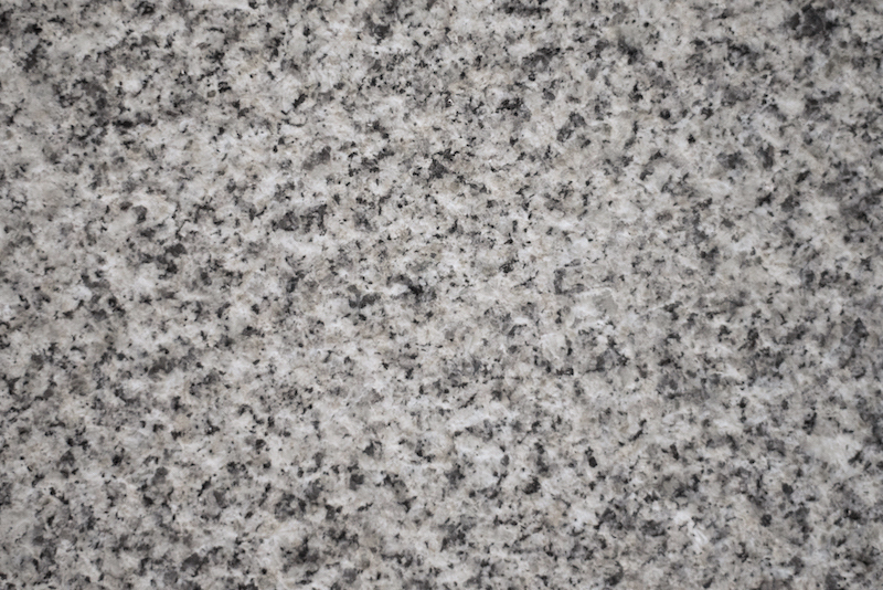 gra2003_granito cinzento pico grosso_Ari_granite thick bush hammered_light grey granit_portuga_EMP_6599