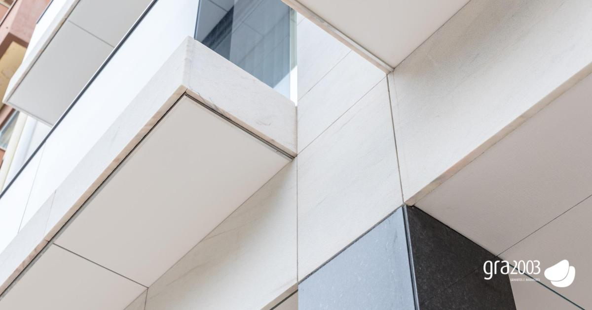 fachada de mármore