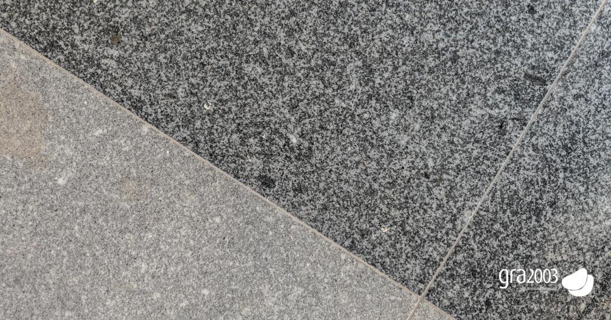 contraste entre granito serrado e granito polido