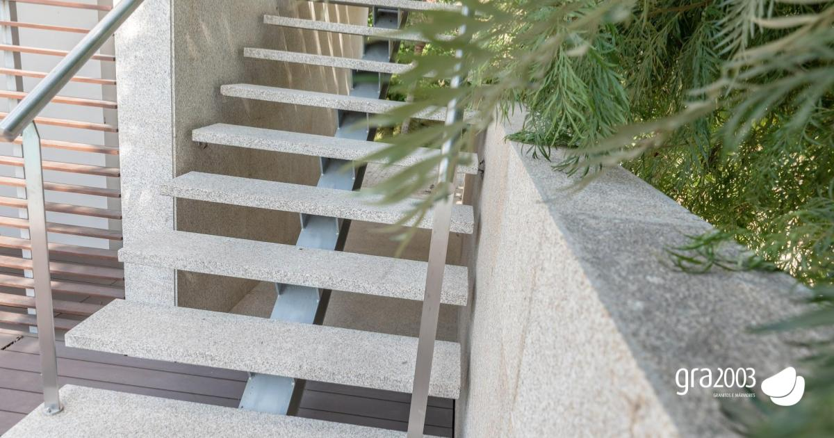 non slippery granite stairs