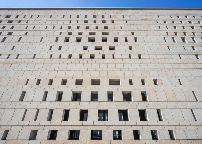 Granito para fachadas.