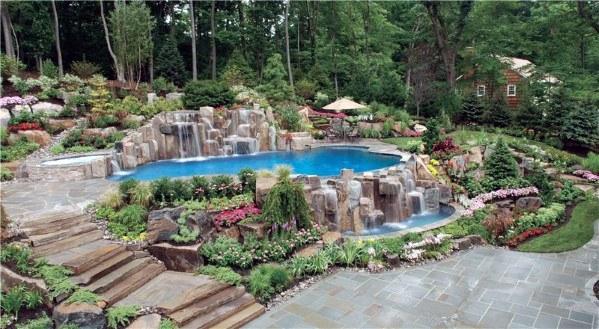 ideia de decoração de piscina com granito
